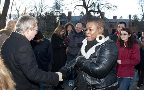 Ramapo Welcomes New Students during Winter Arching Ceremony