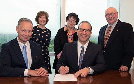 Ramapo College and Touro College of Pharmacy Create New Fast Track Program Path